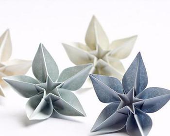手工折纸已经成为快乐的源泉,艺术的享受,以及儿童及成人智力开发的