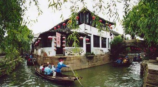 风景区通过省旅游局复审的验收;4月份成功举办第七届中国苏州甪直水乡