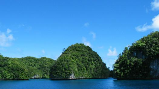 佩莱利乌岛peleliu,又称贝里琉岛(beliliou),是帕劳16个行政区之一的
