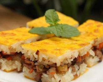 三鲜豆皮是湖北武汉人早点的主要食品之一,也是民间极具特色的汉族
