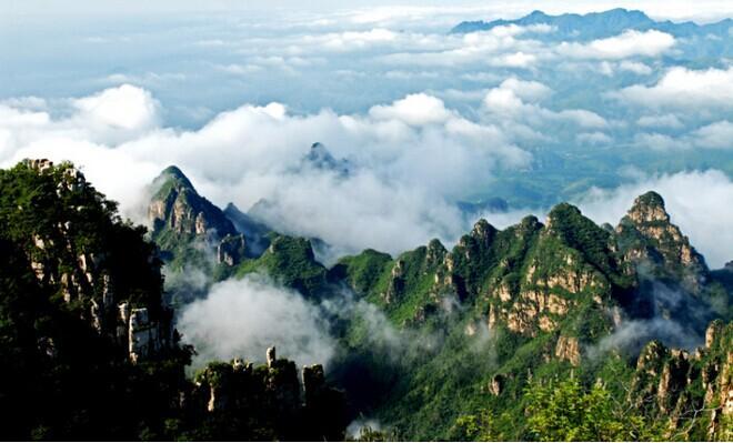 2005年12月,狼牙山景区被评为国家级森林公园,2008年4月批准为国家