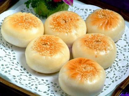白豆沙蛋黄月饼的做法