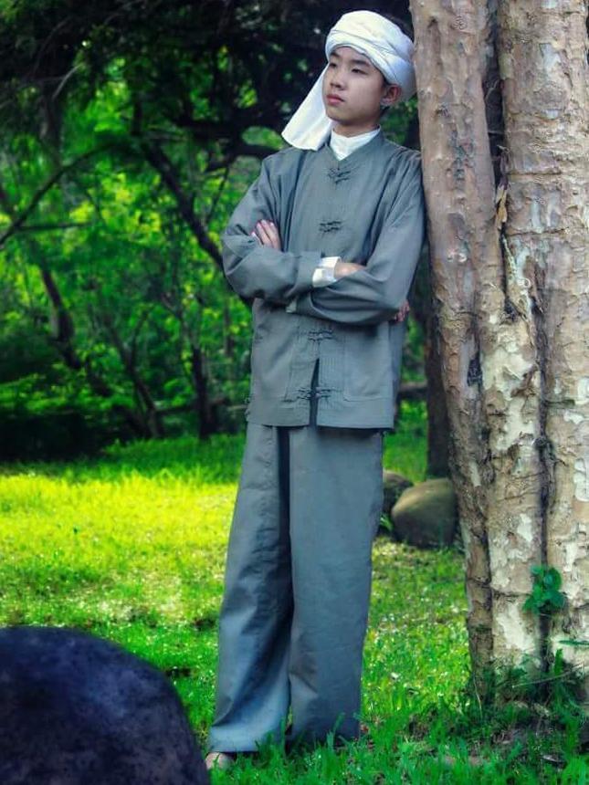 傣族人物服饰简笔画