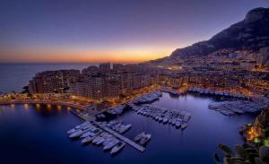 地中海沿岸的小镇