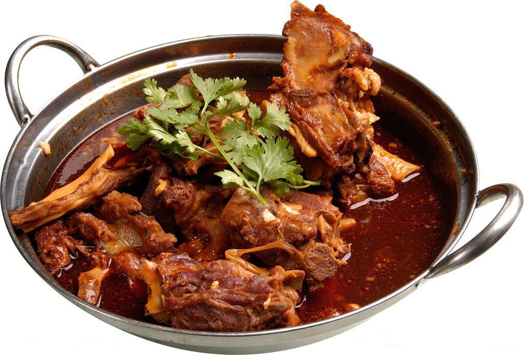 常用来做清汤火锅,味道鲜美. 羊蝎子有