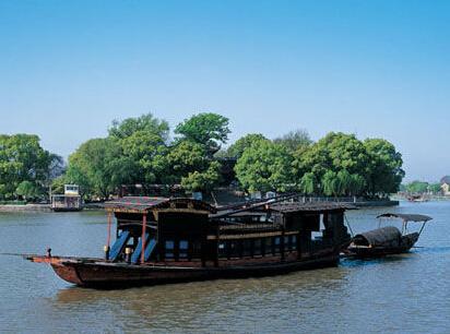 全部版本 历史版本  南湖位于嘉兴市区东南部,风景秀丽,史书早在三国