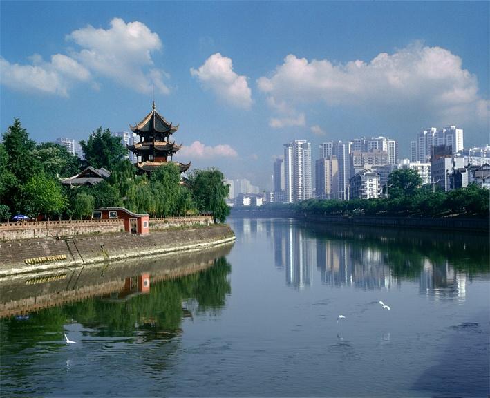 成都市著名的旅游景点,位于成都市九眼桥锦江南岸