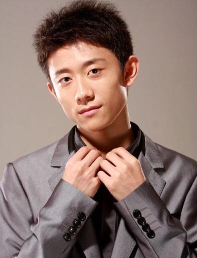 大陆电影男明星名字_张一山(1992年5月5日-), 著名童星,内地男演员,毕业于北京电影学院