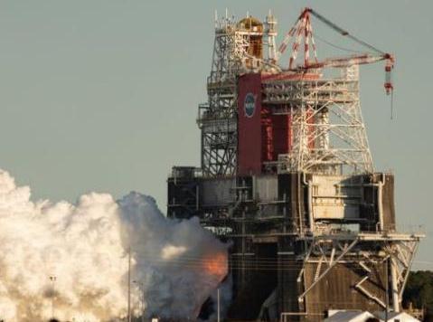 NASA登月火箭测试失败奏,计划或被迫推迟