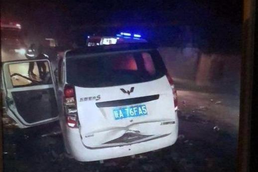 11·13西安纺渭路车辆相撞事故
